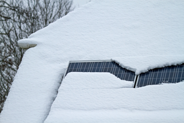 When Should You Worry About Snow On Solar Panels Solar